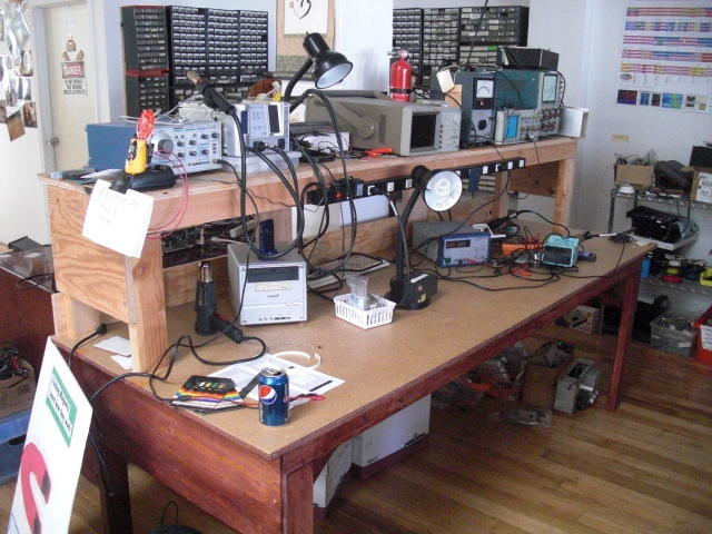 LeftWorkBench.JPG
