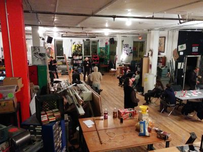 Live music at noisebridge 2014 11 22.jpg
